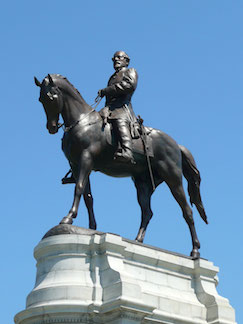 Robert E. Lee statue on Monument Ave., Richmond, VA. (Photo courtesy of Wikipedia)