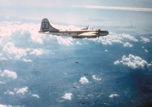 B-29_307th_BG_bombing_target_in_Korea_c1951