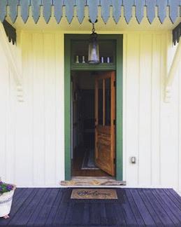 Catalpa Inn front door